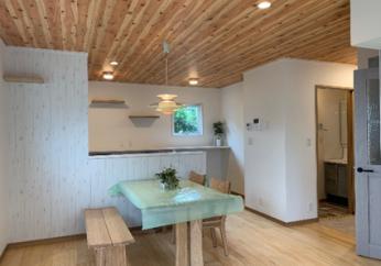 「部屋ごとに雰囲気を変えながらも調和するおしゃれな家」…